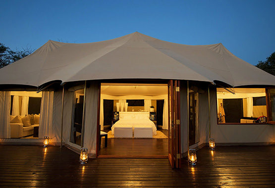South Africa Bush Lodge with Outside Wild